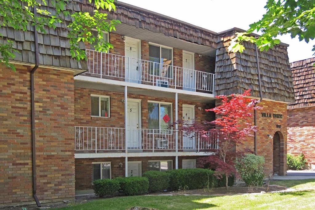 1912-S.-Douglas-St.---Villa-Darvi-Apartments
